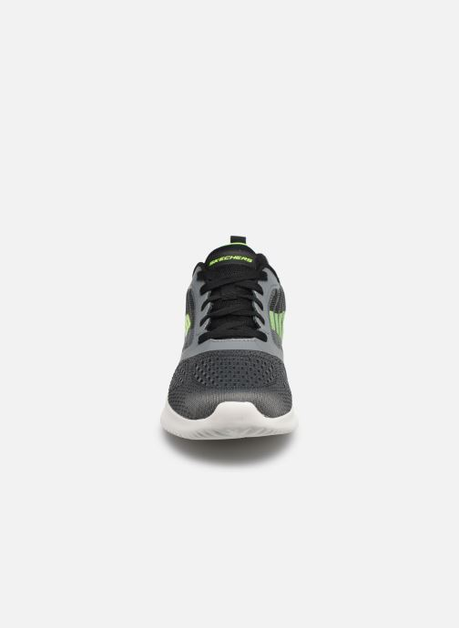 Sneaker Skechers Bounder grau schuhe getragen