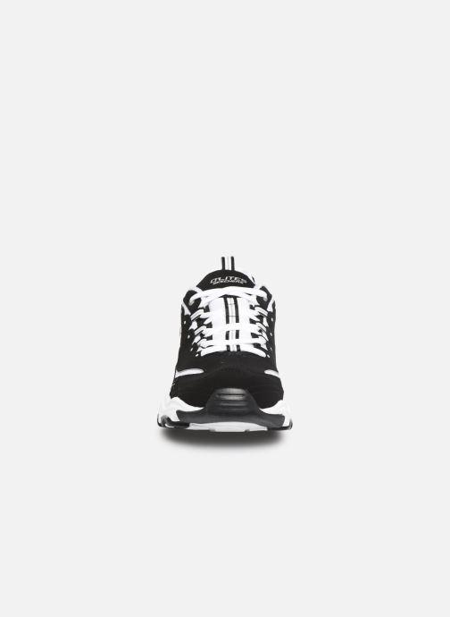 Sneakers Skechers D'Lites M Nero modello indossato