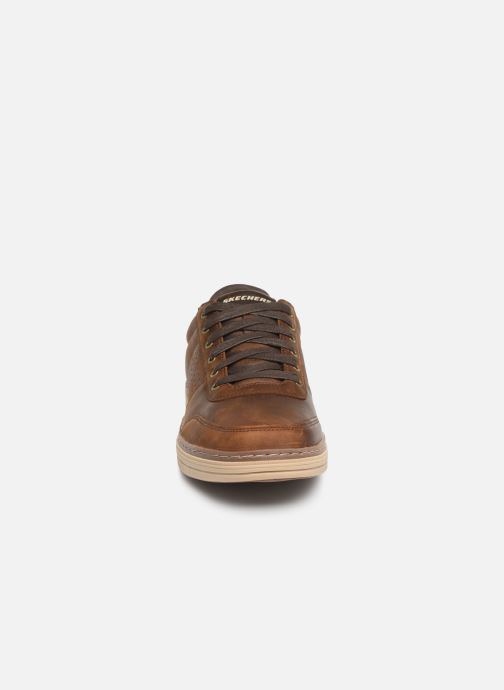 Baskets Skechers Heston Avano Marron vue portées chaussures