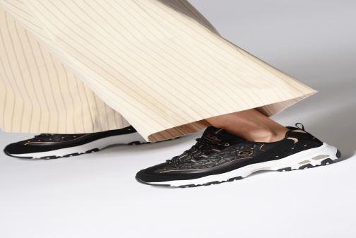 Sneaker Skechers D'lites Glamour Feels schwarz ansicht von unten / tasche getragen