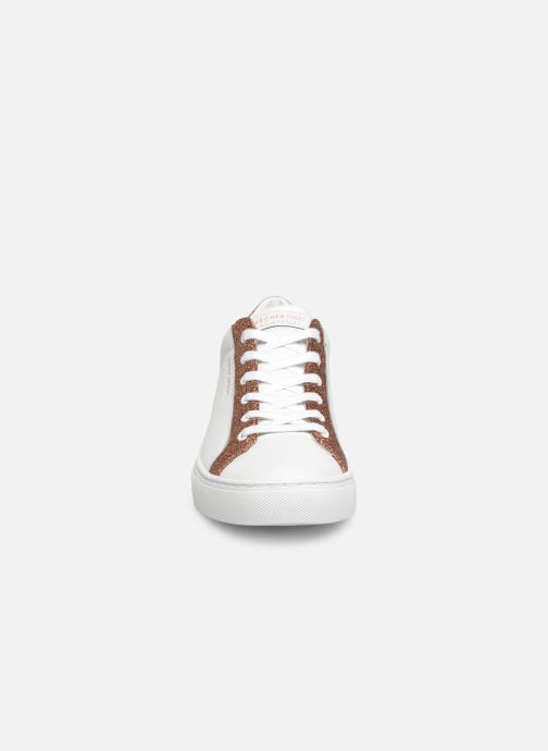 Trainers Skechers Side Street Glitz Kickz White model view