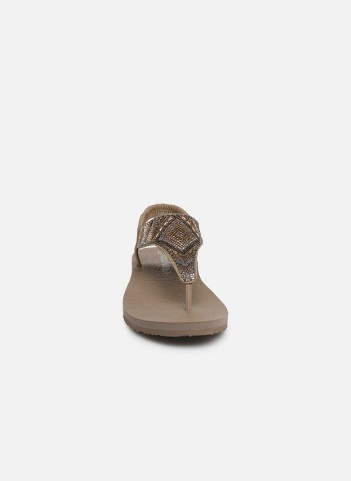 Sandales et nu-pieds Skechers Maditation Gypsy Glam Gris vue portées chaussures