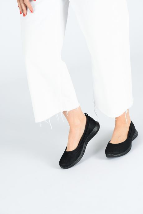 Ballet pumps Skechers City Pro Black view from underneath / model view