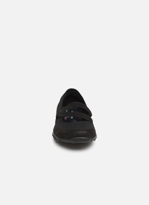 Ballerines Skechers Breath Easy Noir vue portées chaussures