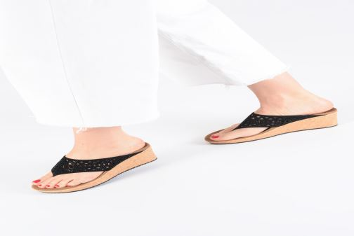 Mules & clogs Skechers Beverlee Summer Visit Black view from underneath / model view