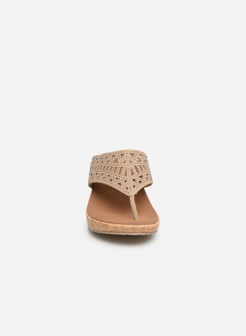 Clogs & Pantoletten Skechers Beverlee Summer Visit beige schuhe getragen