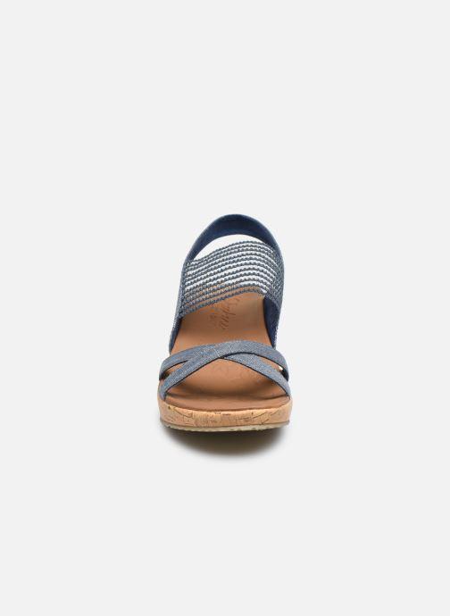 Sandali e scarpe aperte Skechers Beverlee High Tea Azzurro modello indossato