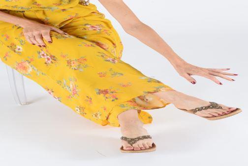 Sandales et nu-pieds Skechers Beverlee Noir vue bas / vue portée sac