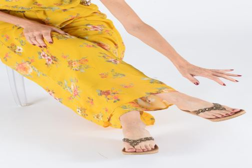 Sandales et nu-pieds Skechers Beverlee Marron vue bas / vue portée sac