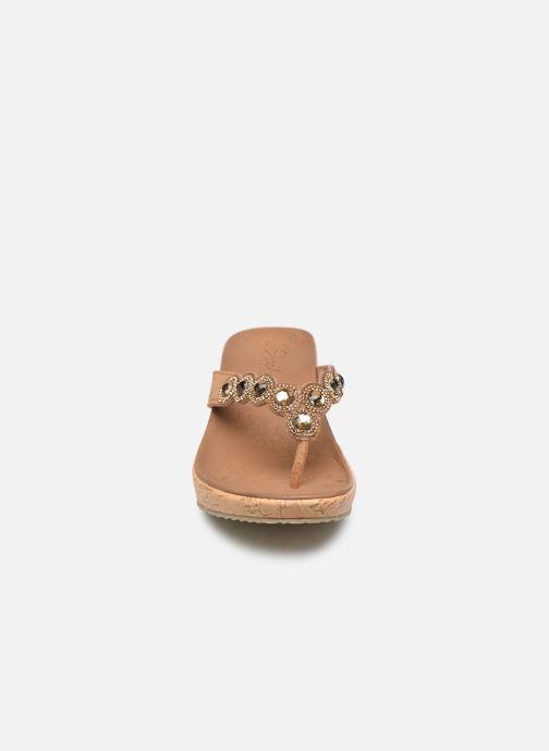 Sandales et nu-pieds Skechers Beverlee Marron vue portées chaussures