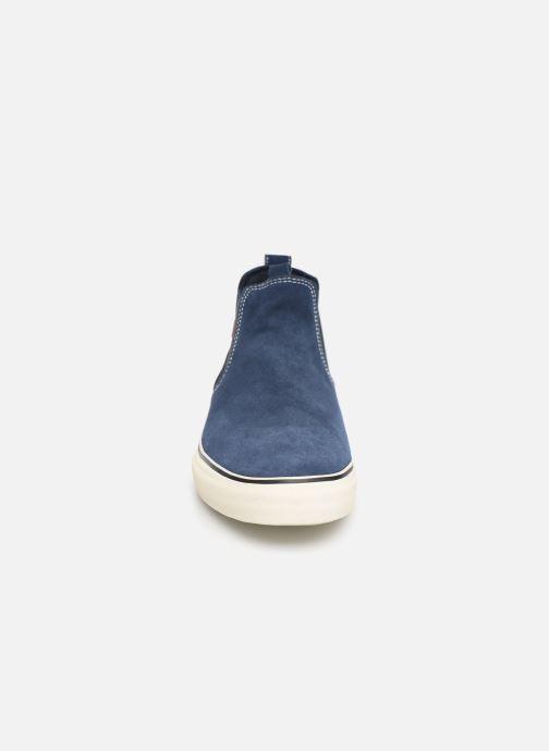 Baskets Globe Dover Bleu vue portées chaussures