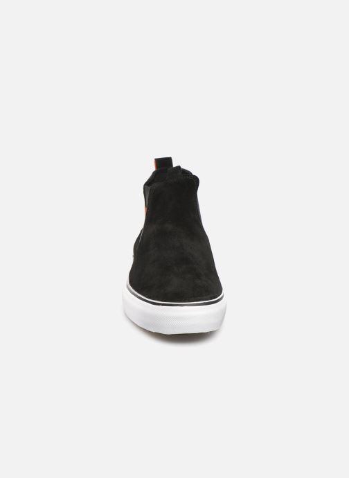 Baskets Globe Dover Noir vue portées chaussures