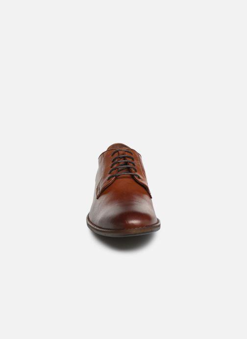 Chaussures à lacets Mustang shoes Massis Marron vue portées chaussures