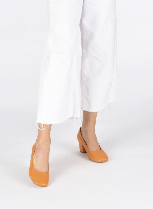 High heels E8 by Miista NOHEMI Orange view from underneath / model view