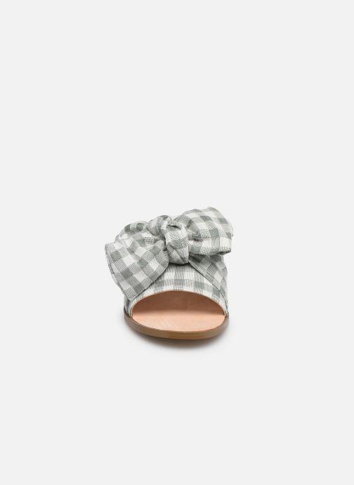 Mules et sabots E8 by Miista PEGGY Vert vue portées chaussures