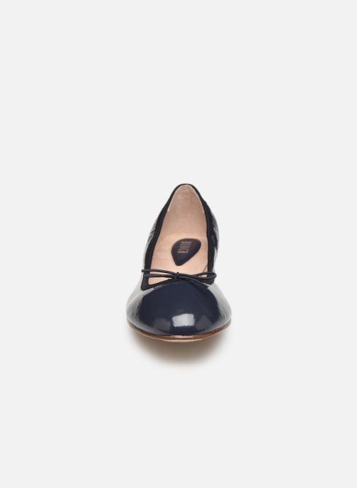 Ballerines Bloch Soft patent ballerina Bleu vue portées chaussures