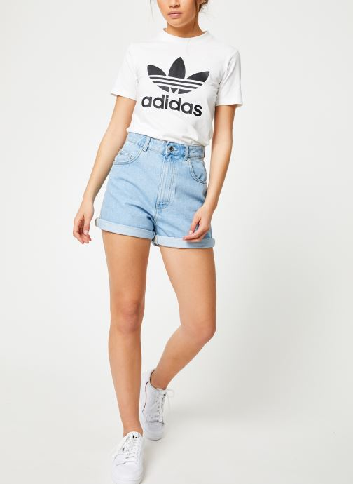 Vêtements adidas originals Trefoil Tee Blanc vue bas / vue portée sac