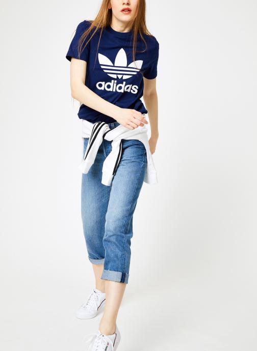 Vêtements adidas originals Trefoil Tee Bleu vue bas / vue portée sac