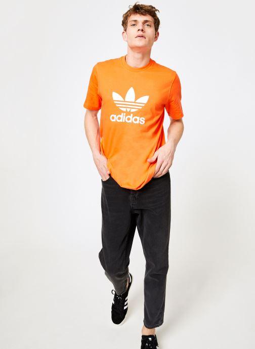 Vêtements adidas originals Trefoil T-Shirt Orange vue bas / vue portée sac