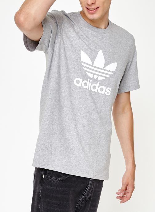 Vêtements adidas originals Trefoil T-Shirt Gris vue détail/paire