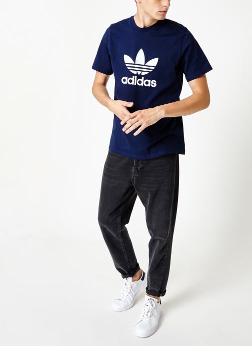 Vêtements adidas originals Trefoil T-Shirt Blanc vue bas / vue portée sac