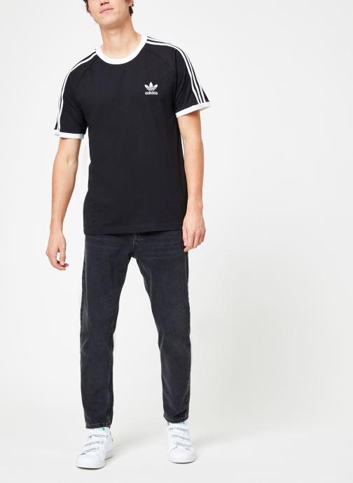 Vêtements adidas originals 3-Stripes Tee Noir vue bas / vue portée sac