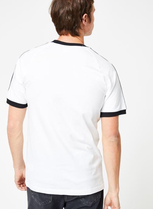 Vêtements adidas originals 3-Stripes Tee Blanc vue portées chaussures