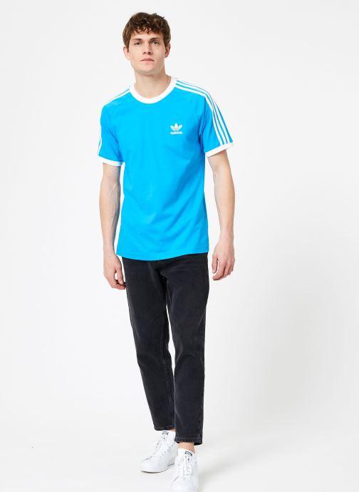Vêtements adidas originals 3-Stripes Tee Bleu vue bas / vue portée sac