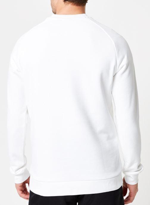 Vêtements adidas originals Trefoil Crew Blanc vue portées chaussures