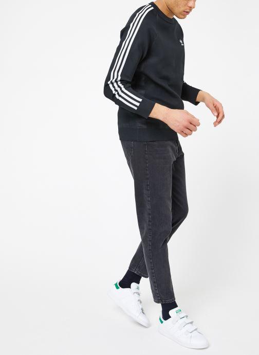 Vêtements adidas originals Knit Crew Noir vue bas / vue portée sac