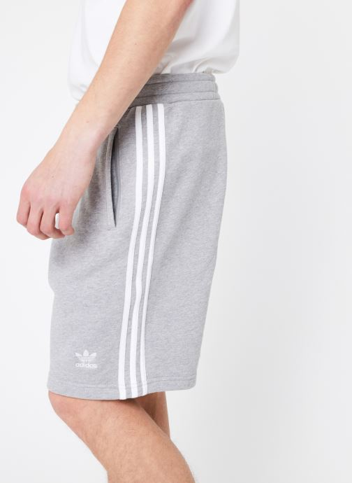 Tøj adidas originals 3-Stripe Short Grå se forfra