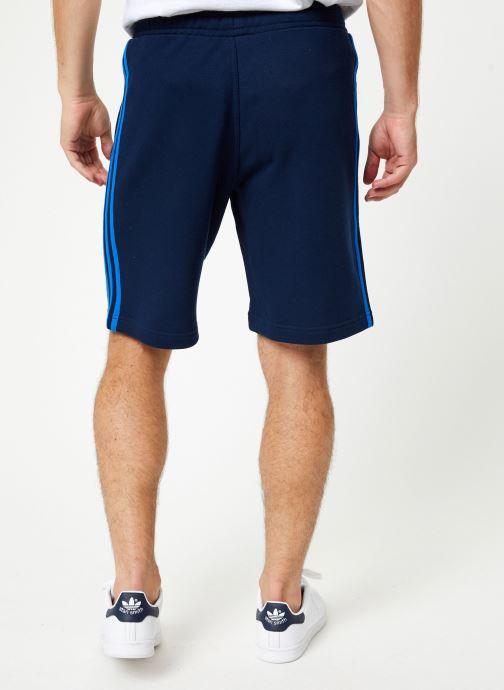 Vêtements adidas originals 3-Stripe Short Bleu vue portées chaussures