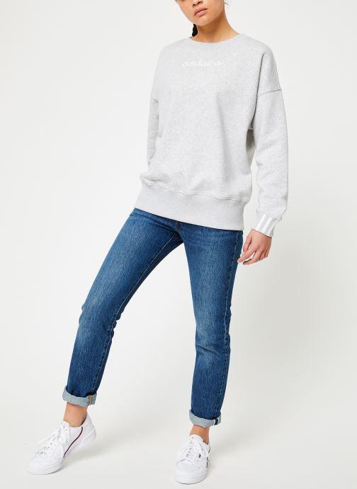 Vêtements adidas originals Coeeze Sweat Gris vue bas / vue portée sac