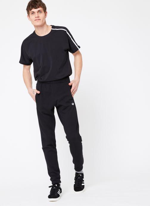 Vêtements adidas originals Radkin Sp Noir vue bas / vue portée sac