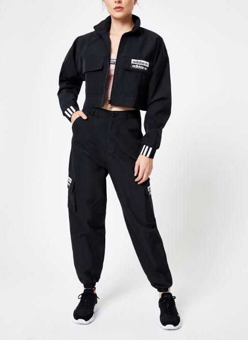 Vêtements adidas originals Pant Noir vue bas / vue portée sac