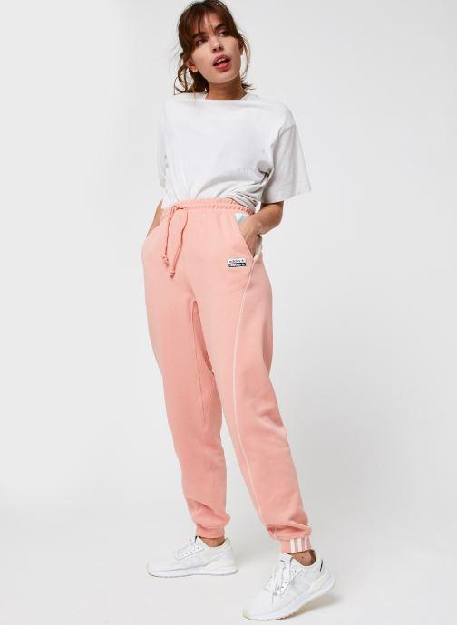 Vêtements adidas originals Pant Rose vue bas / vue portée sac