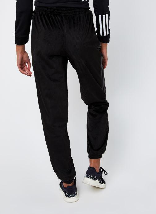 Vêtements adidas originals Pant Noir vue portées chaussures