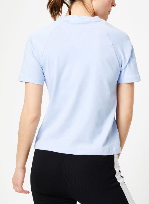 Ropa Adidas Originals Regular Tee Azul vista del modelo