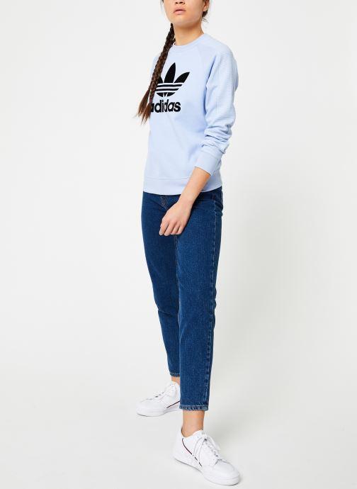 Vêtements adidas originals Sweater Bleu vue bas / vue portée sac