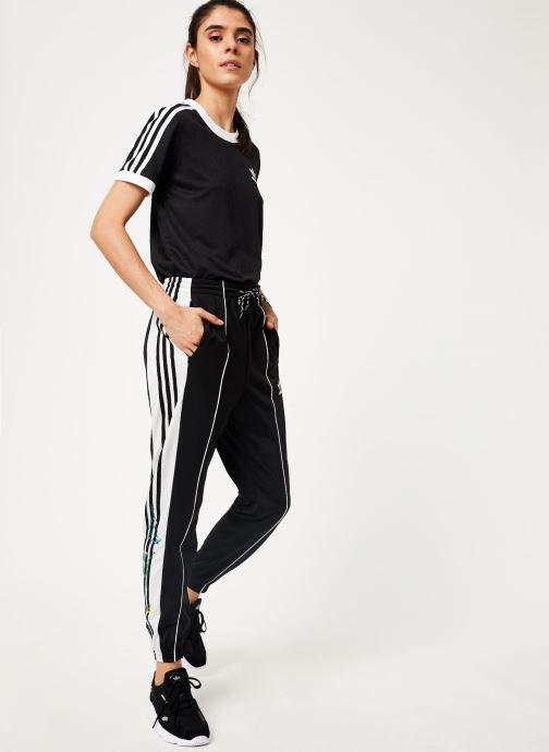 Vêtements adidas originals Track Pants Noir vue bas / vue portée sac