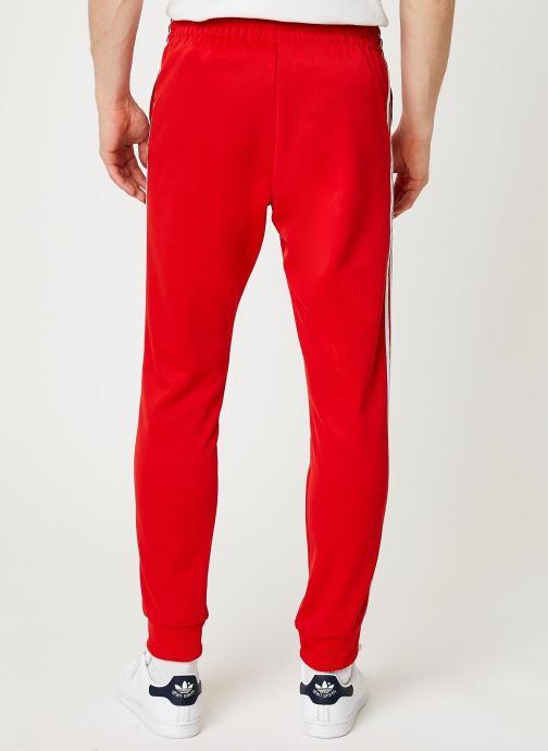 Vêtements adidas originals Sst Tp Rouge vue portées chaussures