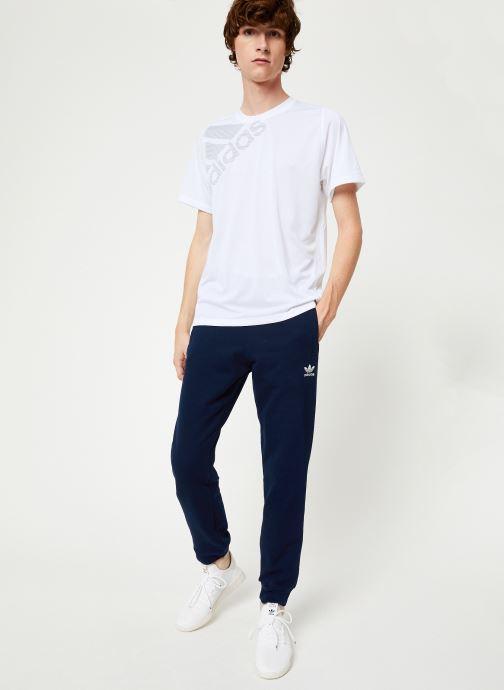 Vêtements adidas originals Trefoil Pant Bleu vue bas / vue portée sac