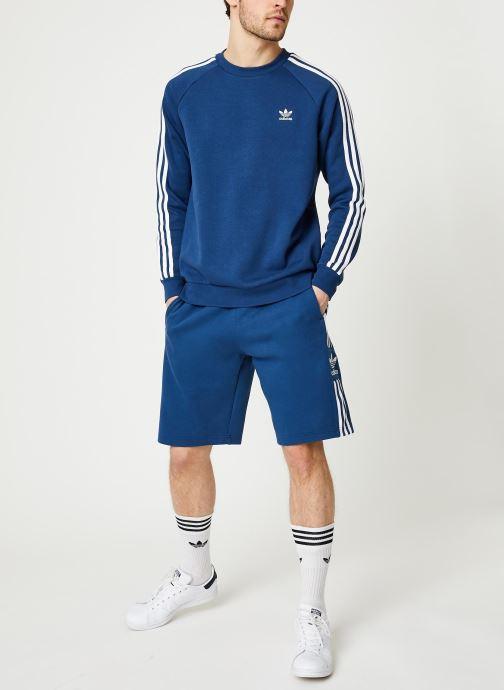 Vêtements adidas originals 3-Stripes Crew Bleu vue bas / vue portée sac