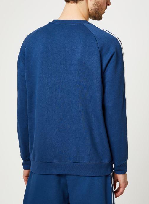 Vêtements adidas originals 3-Stripes Crew Bleu vue portées chaussures