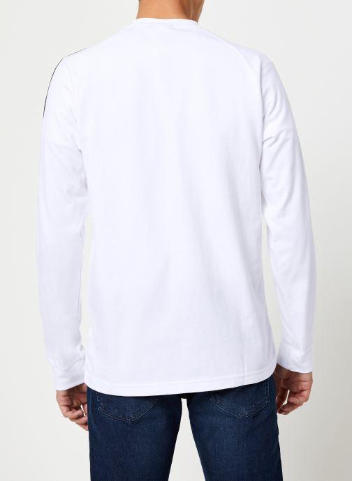 Vêtements adidas originals 3-Stripes Ls T Blanc vue portées chaussures