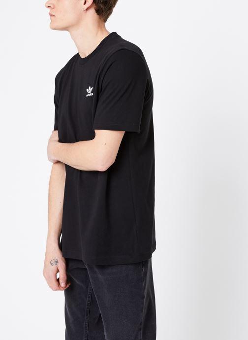 Vêtements adidas originals Essential T Noir vue droite