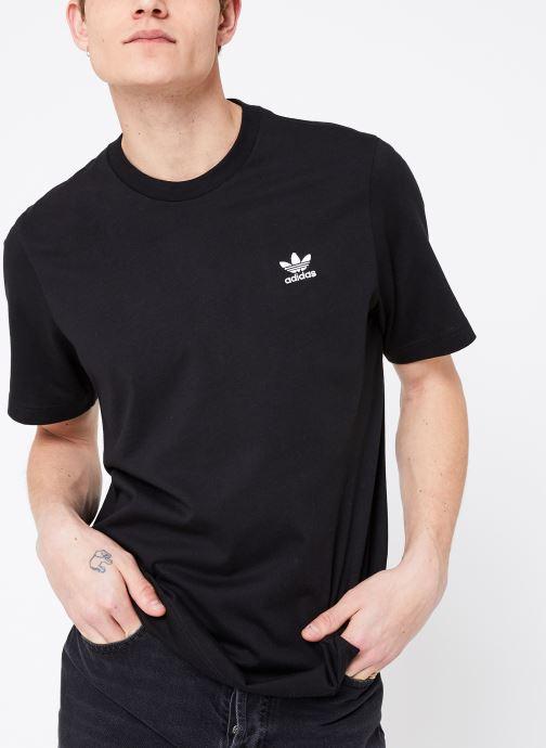Vêtements adidas originals Essential T Noir vue détail/paire