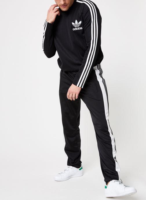 Vêtements adidas originals Snap Pants Noir vue bas / vue portée sac