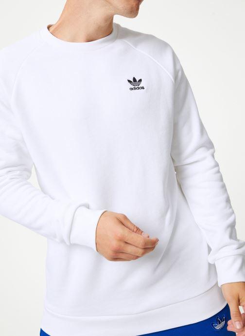 Vêtements adidas originals Essential Crew Blanc vue détail/paire
