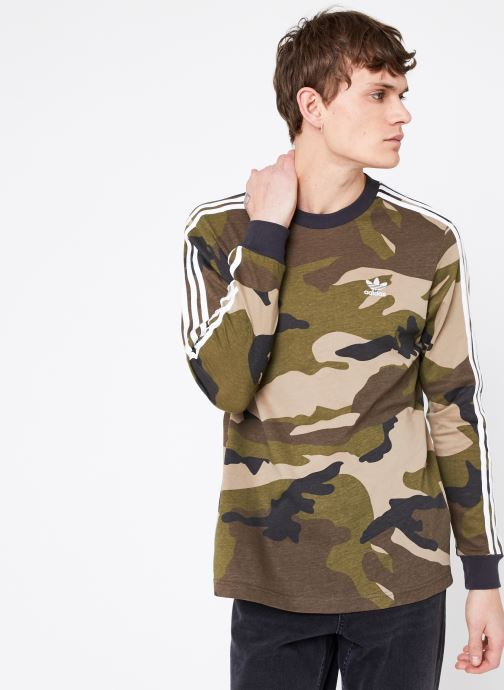 Vêtements adidas originals Camo Ls Tee Vert vue détail/paire